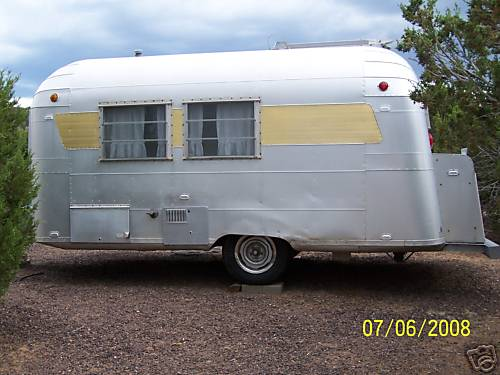 Vintage 1965 Silver Streak Alum Camp Travel Trailer 18